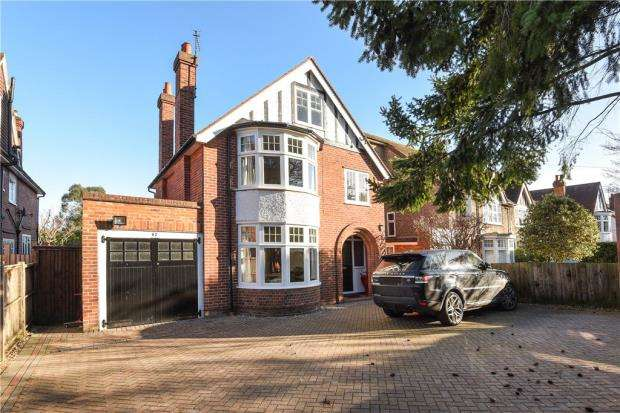 4 Bedrooms Detached House for sale in Kidmore Road, Caversham Heights, Reading