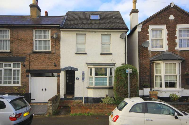 3 Bedrooms Cottage House for sale in COTTERELLS - TOWN CENTRE, STATION, HP1