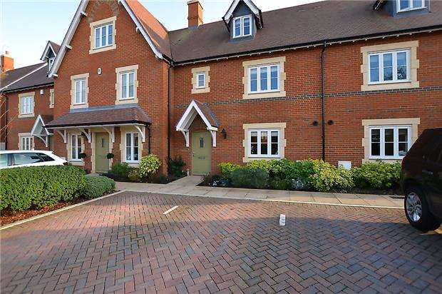 4 Bedrooms Terraced House for sale in Gabell Road, Cheltenham, Glos, GL53 9FA