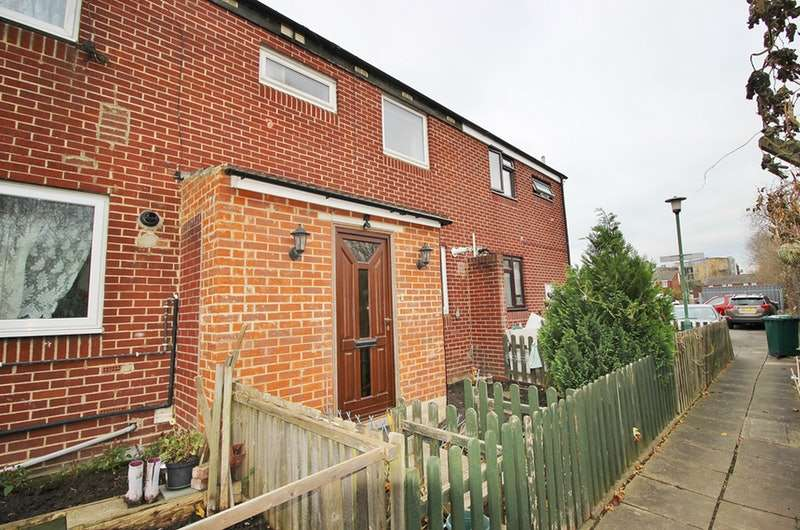 3 Bedrooms Terraced House for sale in Burnt Oak Fields, Edgware, Middlesex, HA8