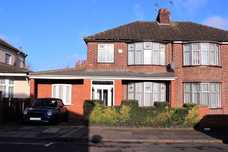 3 Bedrooms Semi Detached House for sale in Hollington Road, Evington