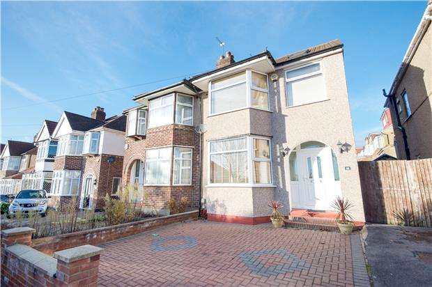 4 Bedrooms Semi Detached House for sale in Charmian Avenue, STANMORE, Middlesex, HA7 1LL