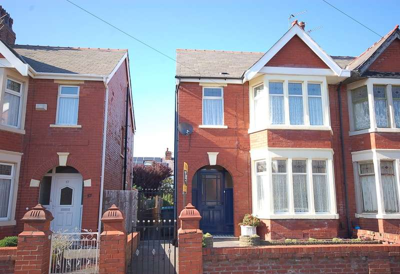 3 Bedrooms Semi Detached House for sale in Kenilworth Gardens, Blackpool