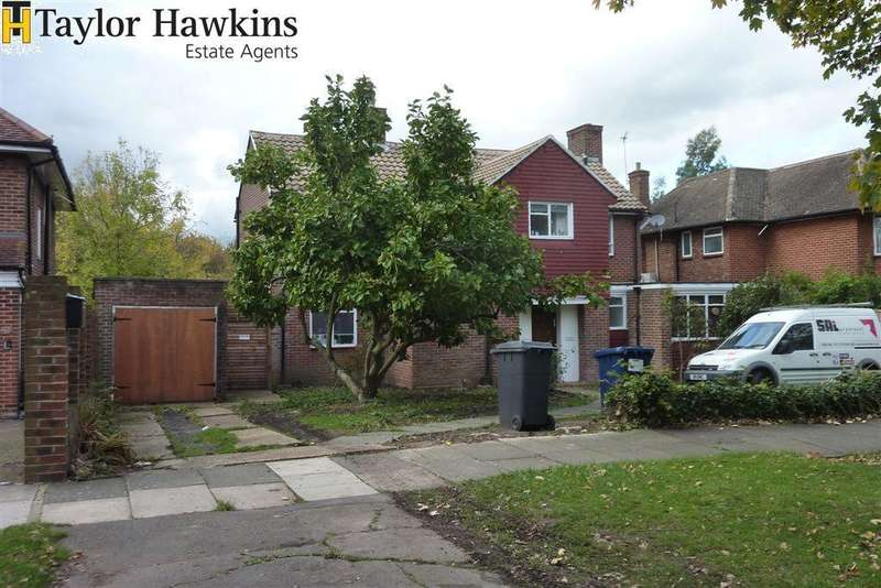 4 Bedrooms Detached House for sale in EDGWAREBURY LANE