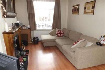 2 Bedrooms House for rent in Robins Lane, WA9