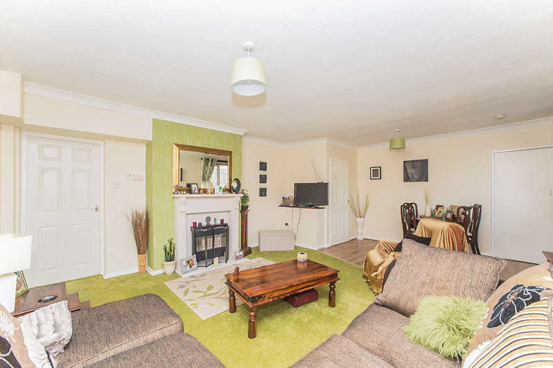 3 Bedrooms Flat for sale in Arlington Avenue, Newcastle Upon Tyne, NE3