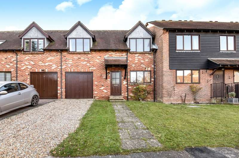 3 Bedrooms House for sale in Selham Close, Summersdale, Chichester, PO19