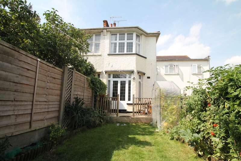1 Bedroom Maisonette Flat for sale in Bournmouth Park Road, Southend On Sea