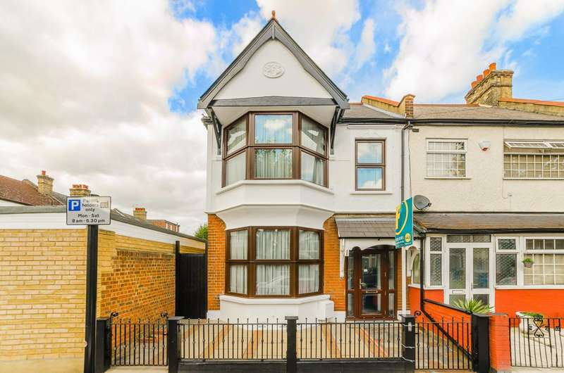 4 Bedrooms House for sale in Montpelier Gardens, East Ham, E6