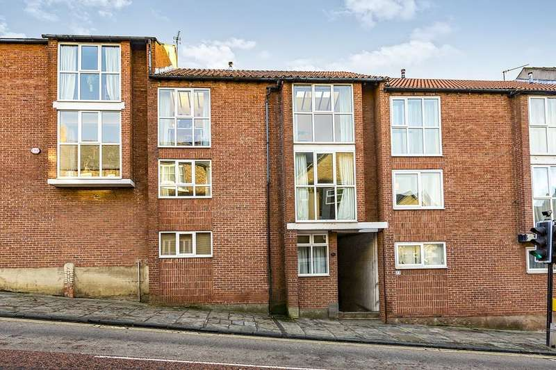 6 Bedrooms Terraced House for sale in Claypath, Durham, DH1