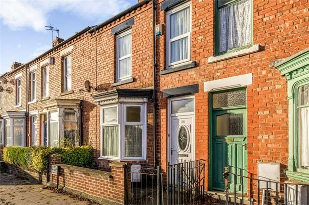 3 Bedrooms Terraced House for sale in Hollyhurst Road, Darlington, Durham