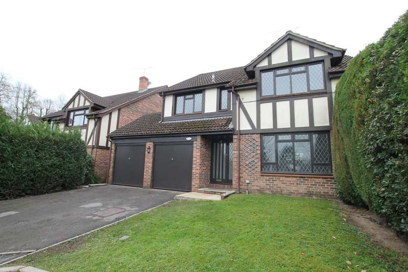4 Bedrooms Detached House for rent in Dale View, Woking