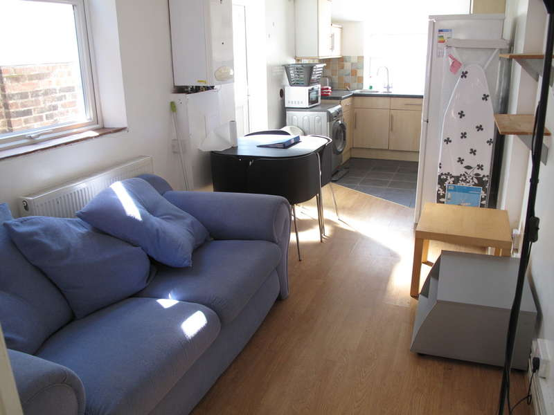 5 Bedrooms Terraced House for rent in Telephone Road, Southsea