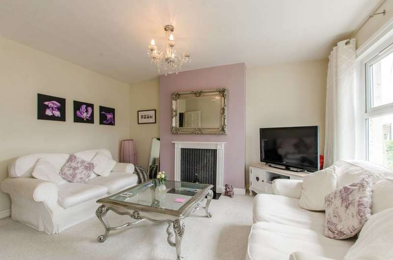 2 Bedrooms Flat for sale in Eastlake Road, Camberwell, SE5