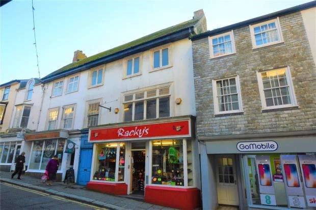 3 Bedrooms Terraced House for sale in Meneage Street, Helston, Cornwall