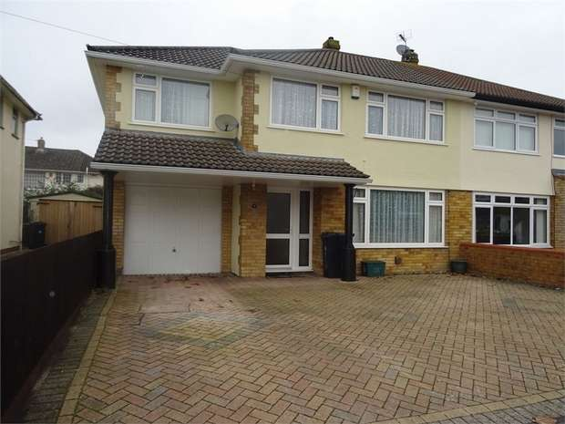 4 Bedrooms Semi Detached House for sale in Derricke Road, Bristol