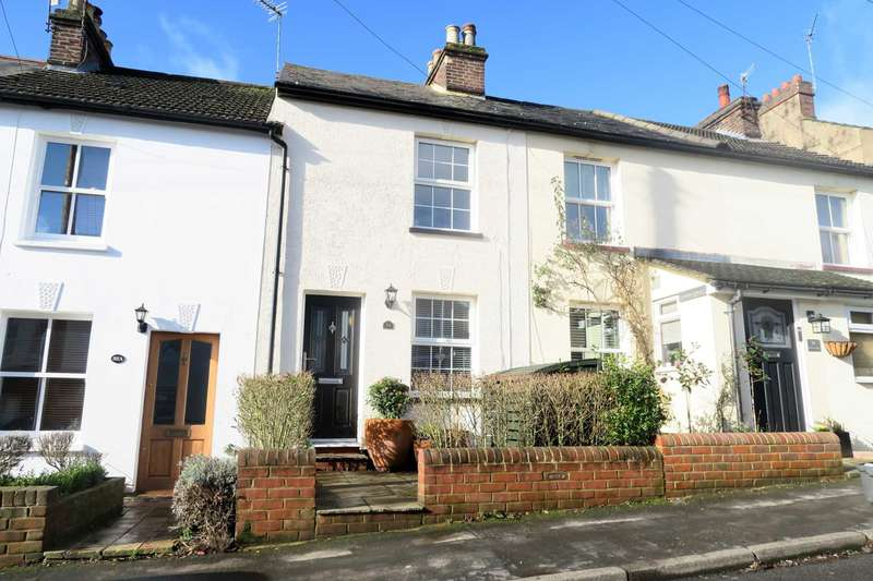2 Bedrooms Terraced House for sale in Cowper Road, Boxmoor, Hemel Hempstead