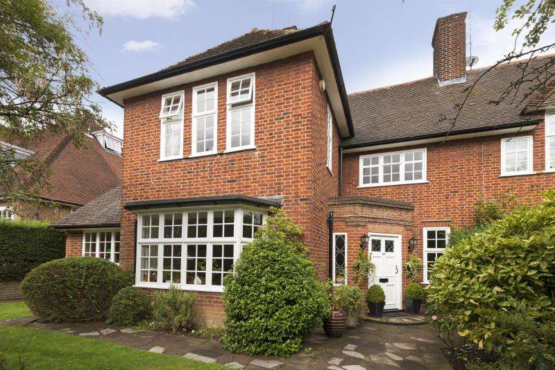 4 Bedrooms House for sale in Middleway, Hampstead Garden Suburb