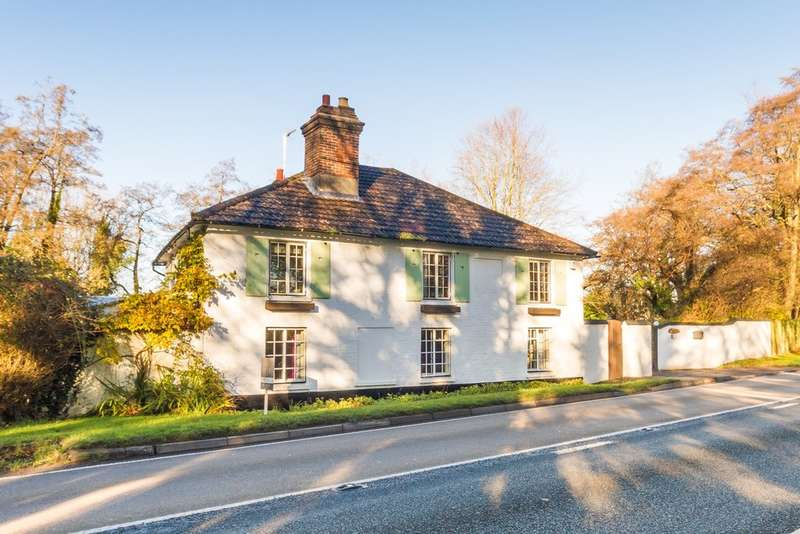 5 Bedrooms Cottage House for sale in Blashford, Ringwood, Hampshire