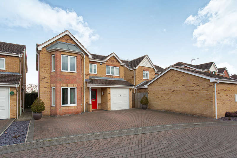 4 Bedrooms Detached House for sale in Wellfield Gardens, Royston, Barnsley, S71