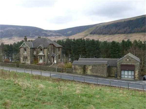 4 Bedrooms Detached House for sale in Torside, Glossop, Derbyshire