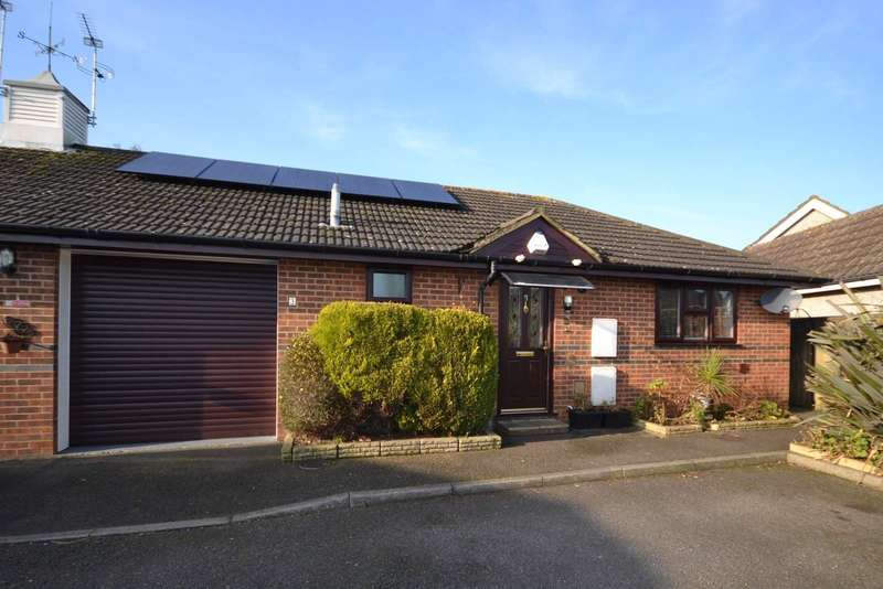 2 Bedrooms Bungalow for sale in Shepperton