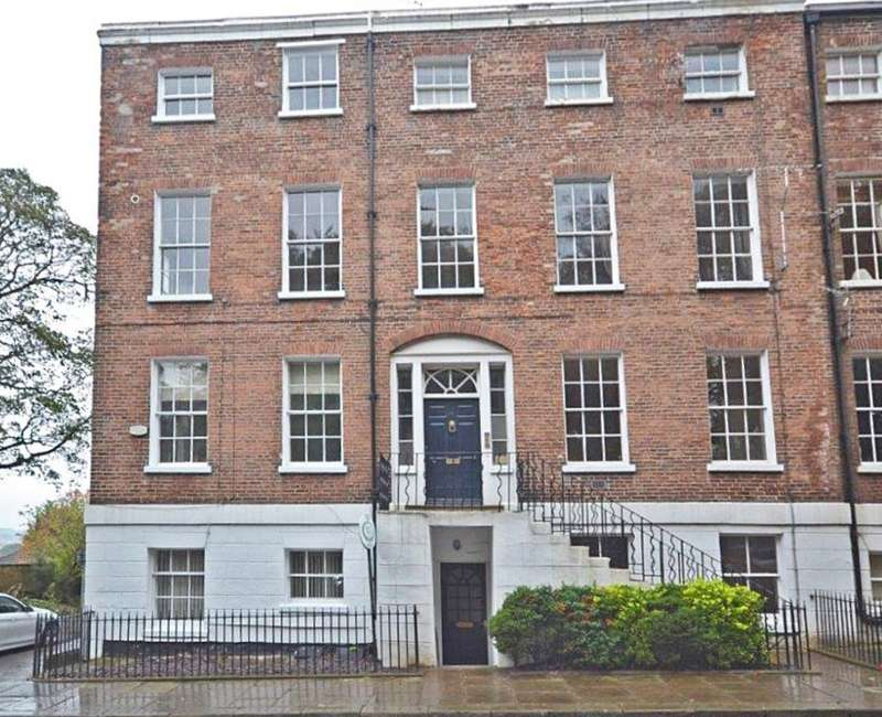 2 Bedrooms Maisonette Flat for sale in Basement Flat, 12 St Johns Square
