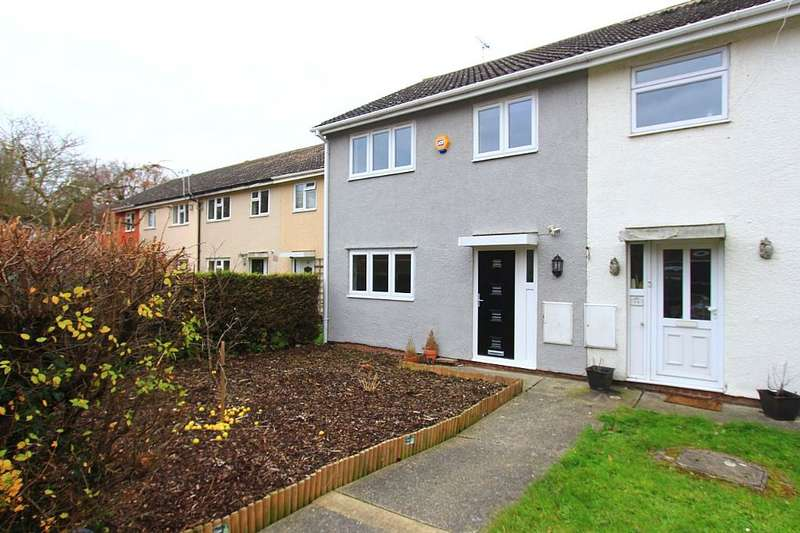 3 Bedrooms Terraced House for sale in Cant Way, Braintree, London, CM7 3PU