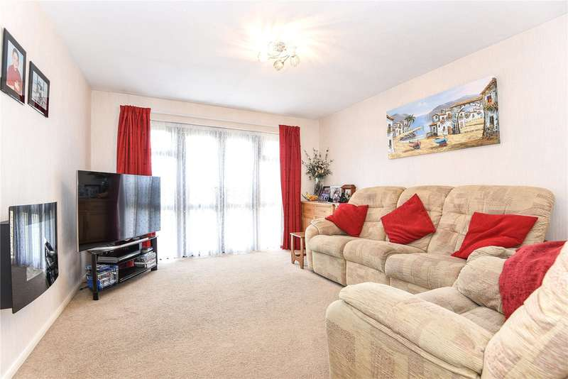 2 Bedrooms Maisonette Flat for sale in Ashley House, Tolpits Lane, Watford, WD18