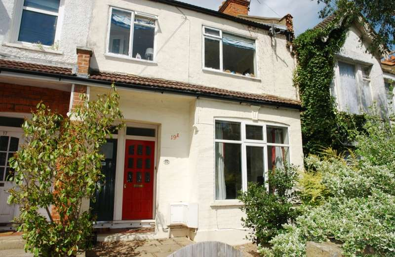 2 Bedrooms Ground Flat for sale in Tankerton Road, Surbiton