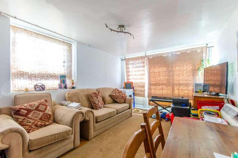1 Bedroom Flat for sale in Ayley Croft, Enfield, EN1