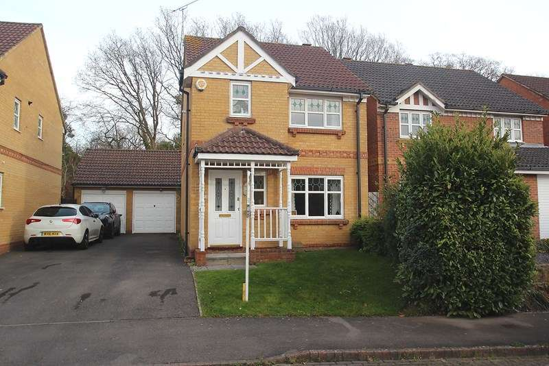 3 Bedrooms Detached House for sale in Stag Way, Fareham