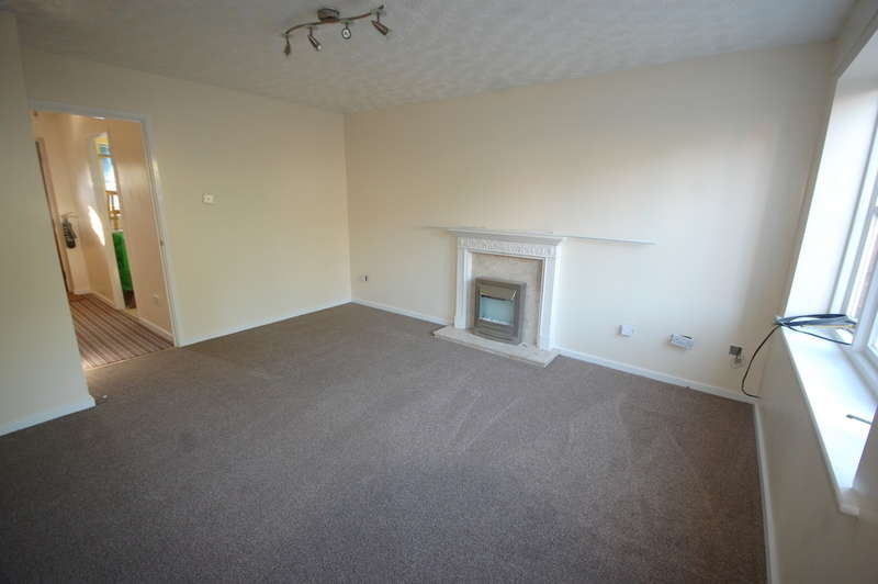 2 Bedrooms Terraced House for rent in Victoria Meadow, Elford, B79 9DQ