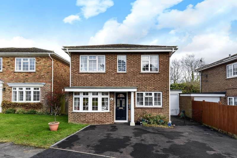 4 Bedrooms Detached House for sale in Beech Tree Close, Oakley, Basingstoke, RG23