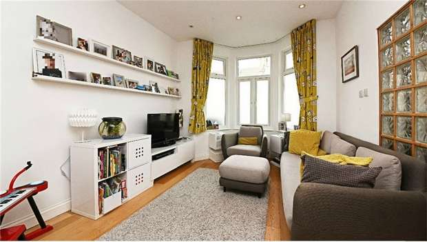 3 Bedrooms Terraced House for sale in Brackenbury Road, East Finchley, N2