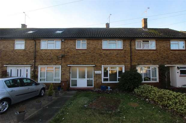 3 Bedrooms Terraced House for rent in Blyth Avenue, Shoeburyness, Southend-on-Sea, Essex