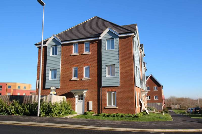 4 Bedrooms Semi Detached House for sale in Weavers Close, Eastbourne BN21 2BA