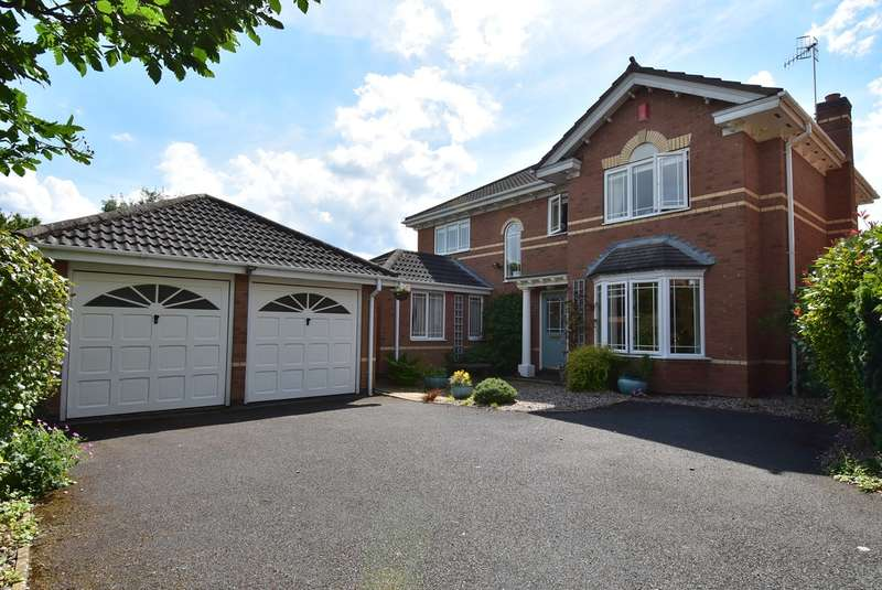 4 Bedrooms Detached House for sale in Geoffrey Chaucer Walk, Droitwich, WR9