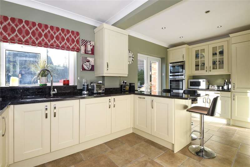 4 Bedrooms Semi Detached House for sale in Church View, Gregory Road, Hedgerley, Buckinghamshire, SL2