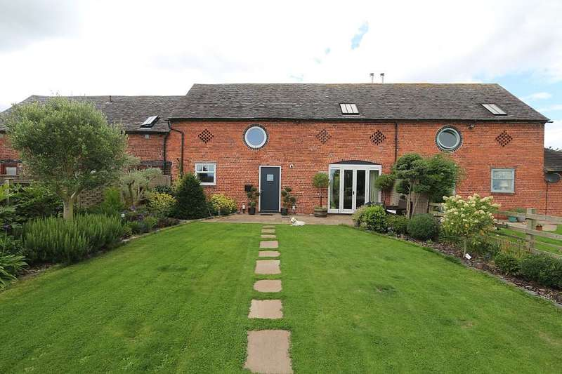 3 Bedrooms Barn Conversion Character Property for sale in Lower Netley Farm, Dorrington, Shrewsbury, Shropshire, SY5 7JY