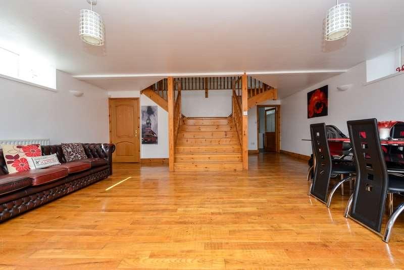 4 Bedrooms Detached House for sale in Outgang Road, Aspatria, Cumbria, CA7