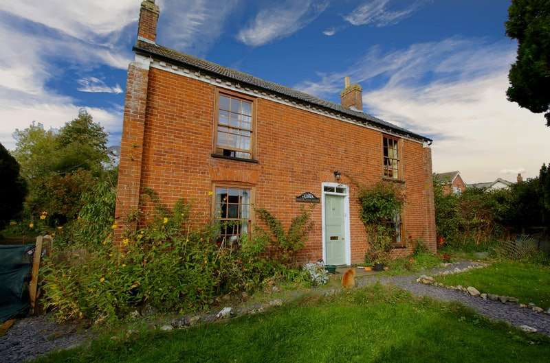 4 Bedrooms Detached House for sale in The Street, Attleborough, NR17