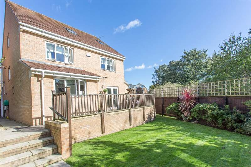 4 Bedrooms Detached House for sale in Lilac Court, Leeds, West Yorkshire, LS14