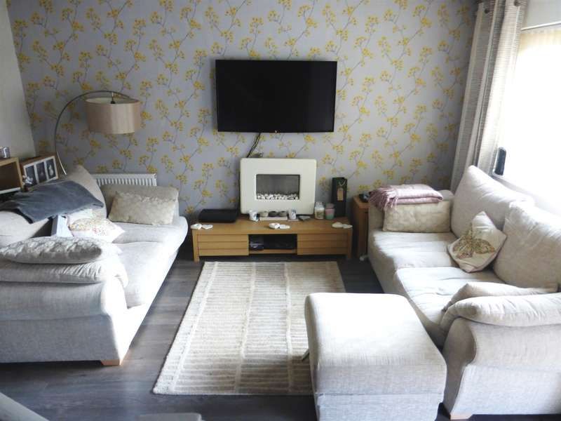 3 Bedrooms Semi Detached House for sale in Dummer Close, St. Mellons, Cardiff