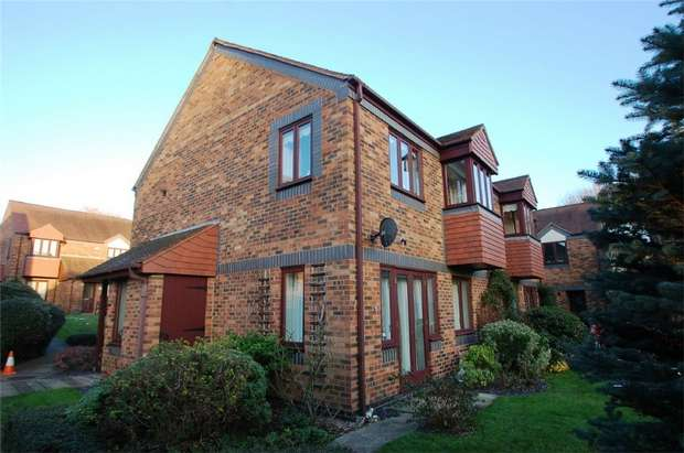 1 Bedroom Retirement Property for sale in Albeny Gate, Belmont Hill, St Albans, Hertfordshire