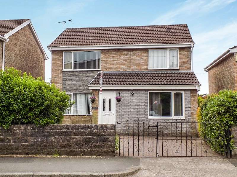 4 Bedrooms Detached House for sale in Heol West Plas , Coity, Bridgend. CF35 6BA