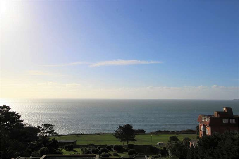 2 Bedrooms Flat for sale in 16a West Cliff Road, Bournemouth