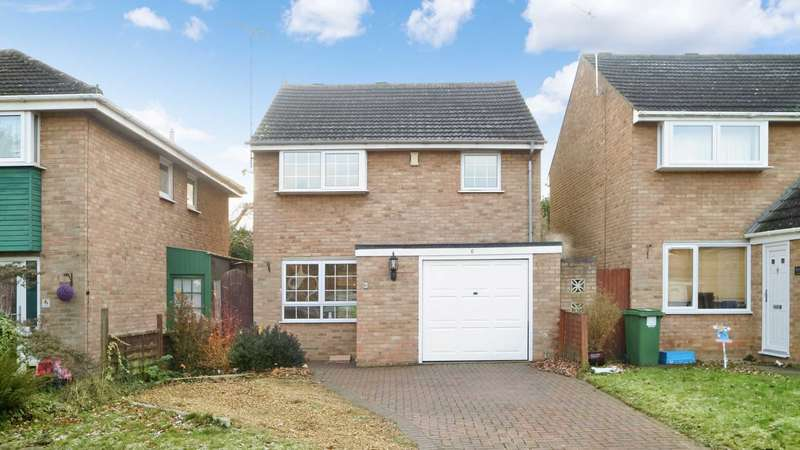 3 Bedrooms Detached House for rent in Lintlaw Place, Bletchley