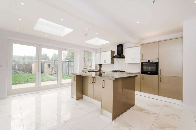 4 Bedrooms Terraced House for sale in Athelstone Road, Harrow Weald, HA3