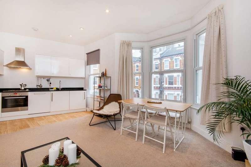2 Bedrooms Flat for sale in Kenwyn Road, Clapham High Street, SW4